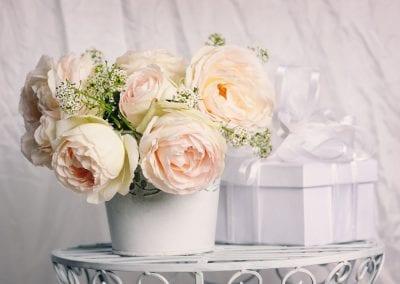 gift with beautiful roses PLUAB6L 400x284 - Portfolio